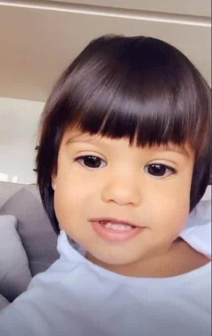 Filha de Mayra Cardi e Arthur Aguiar, a pequena Sophia