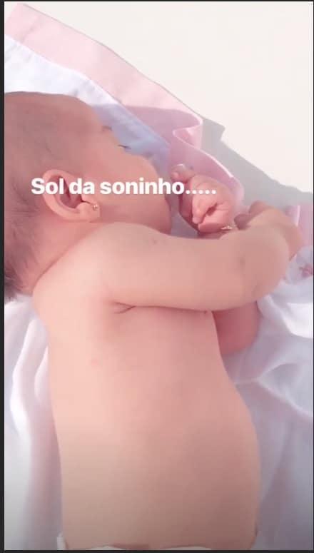 Uma bela imagem da fofa Sophia, filha de Mayra Cardi e Arthur Aguiar
