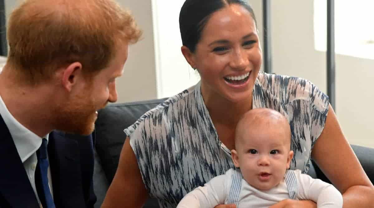 Meghan Markle revelou a certidão de nascimento de seu filho