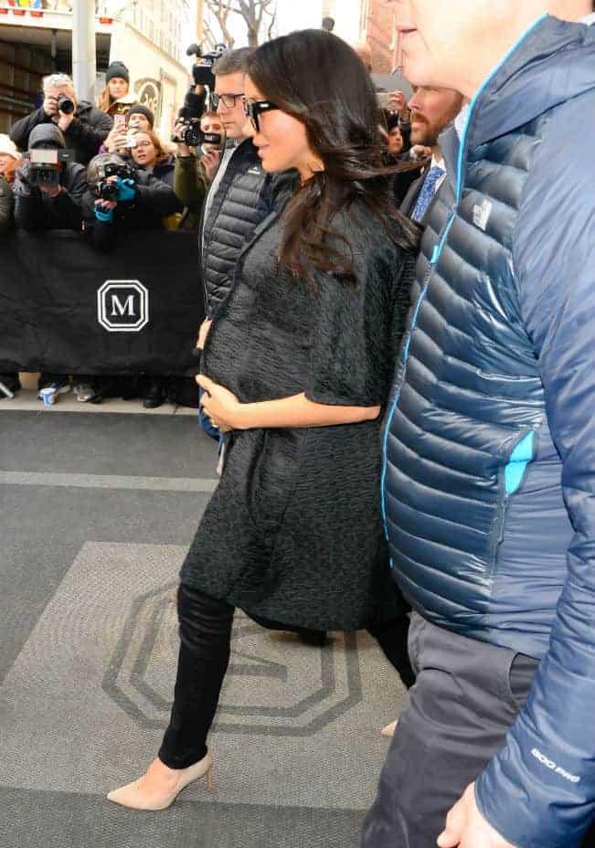 Meghan Markle em NY a caminho de seu chá de bebê