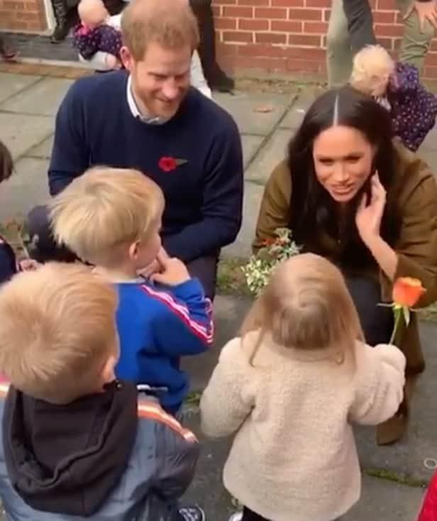 Duquesa Meghan Markle com príncipe Harry no evento