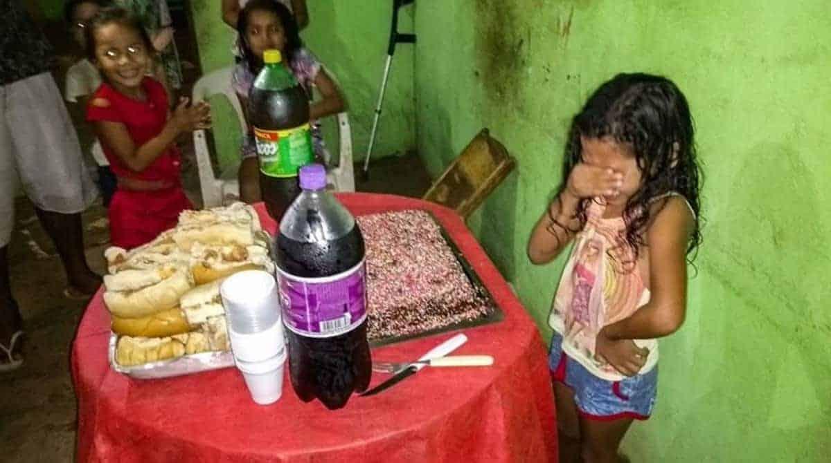 Aos 7 anos menina do Macapá tem sua primeira festa de aniversário
