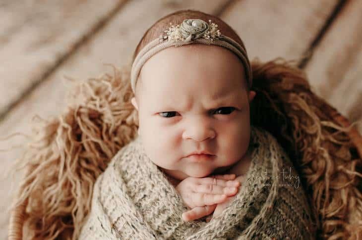Ensaio newborn de recém-nascida que acabou viralizando