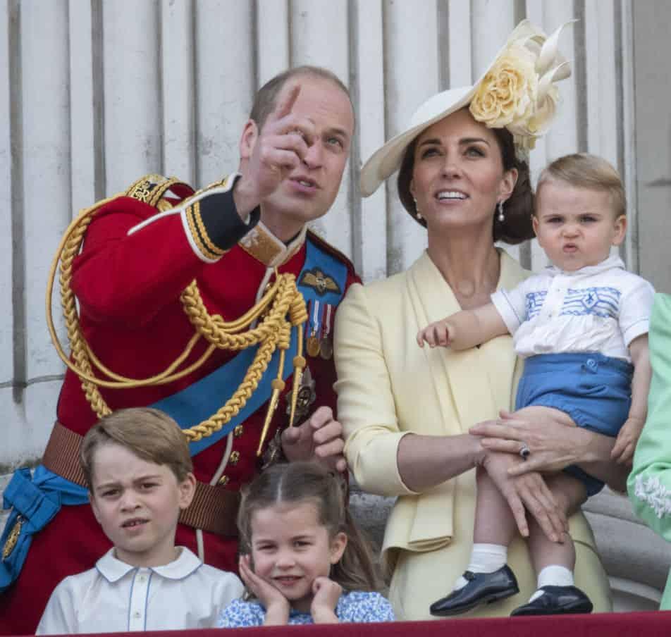 menino familia real