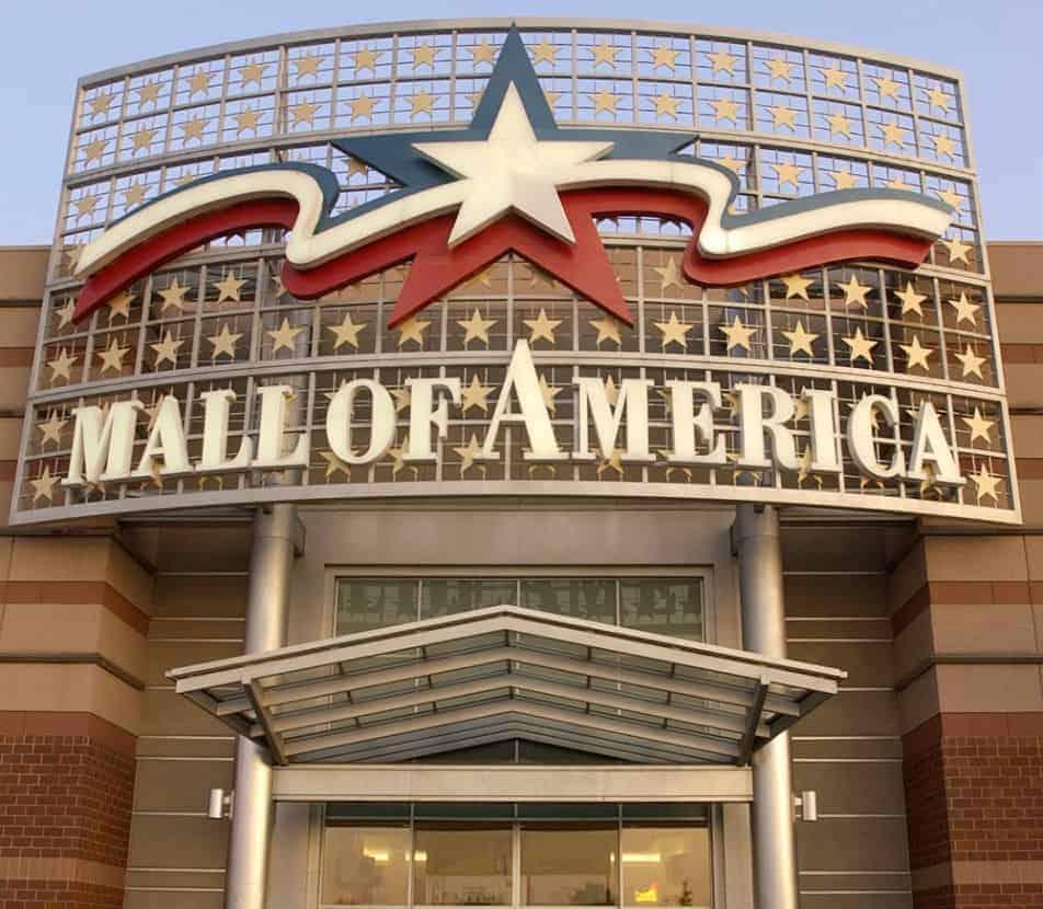 O shopping onde o menino foi jogado
