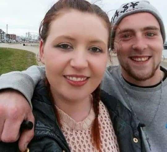 Mãe e namorado irão a julgamento pela morte de menino