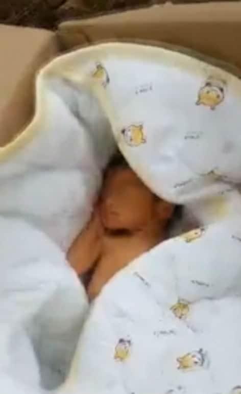 Menino recém-nascido logo depois ter sido enterrado com vida