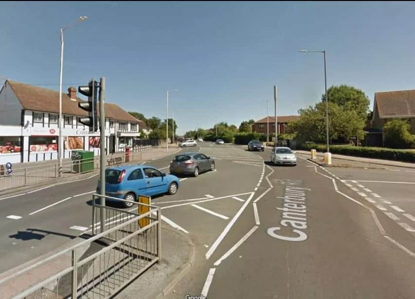 Nessa rua movimentada que o menino de apenas três anos foi encontrado