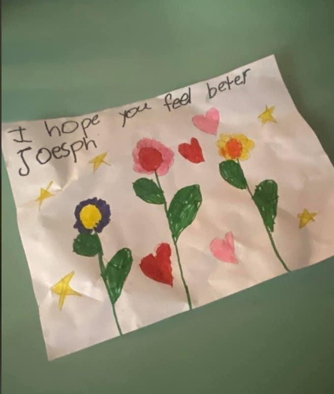 Cartão que menino recebeu enquanto lutava contra o Covid-19