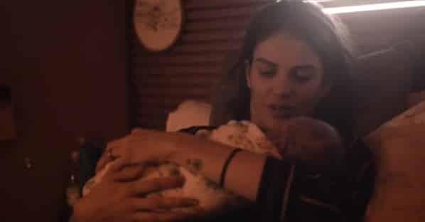 Monica e Júnior tiveram um parto natural, em casa