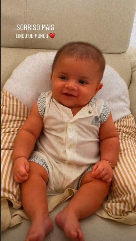 Bebê de Marília Mendonça em flagra de Murilo Huff