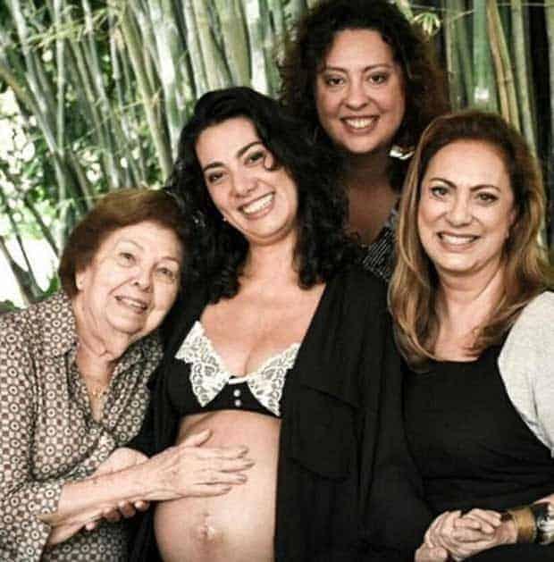 Eliane Giardini divulgou essa foto da família