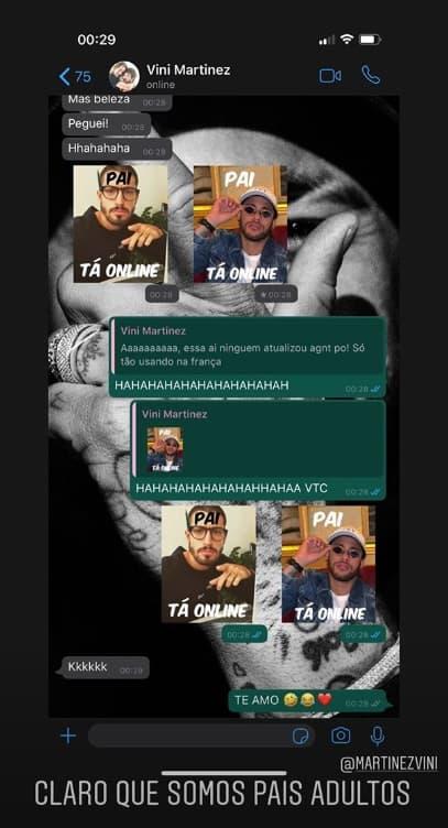Neymar durante conversa com o padrasto de seu filho