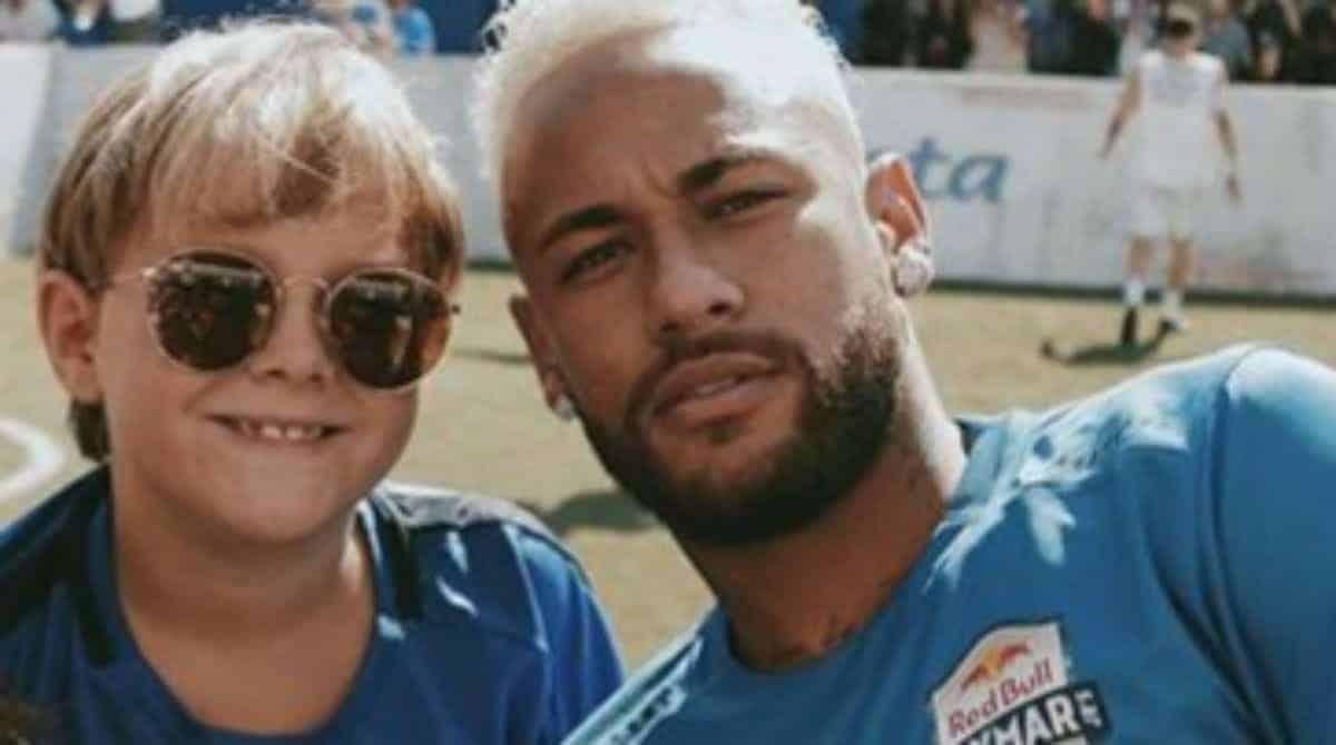 Davi Lucca, filho de Neymar, encantou ao aparecer com seu irmãozinho