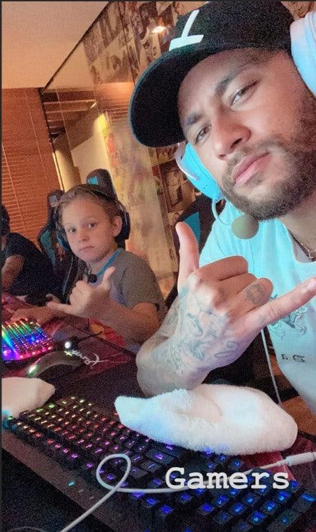 Neymar com seu filho Davi Lucca