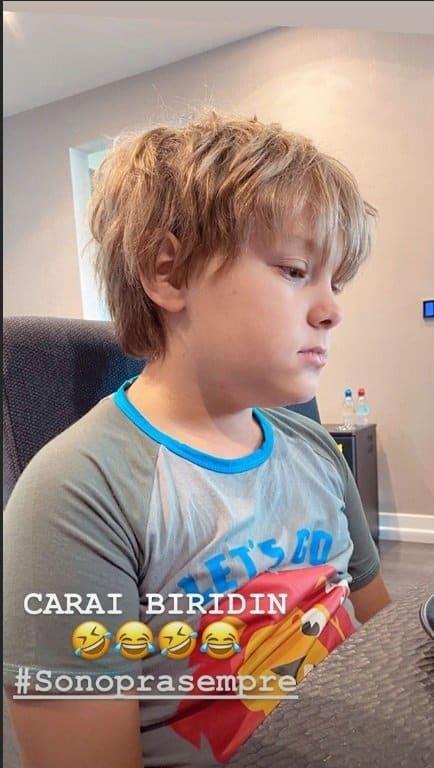 Neymar mostrou o filho pouco depois de acordar