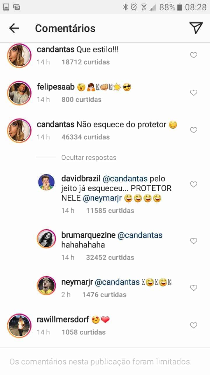 A recadinho da mamãe Carol Dantas em Neymar Jr