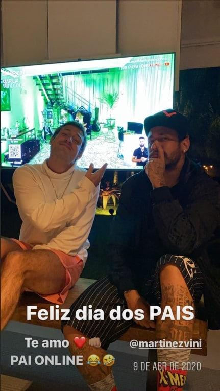 Neymar junto com o padrasto de seu filho