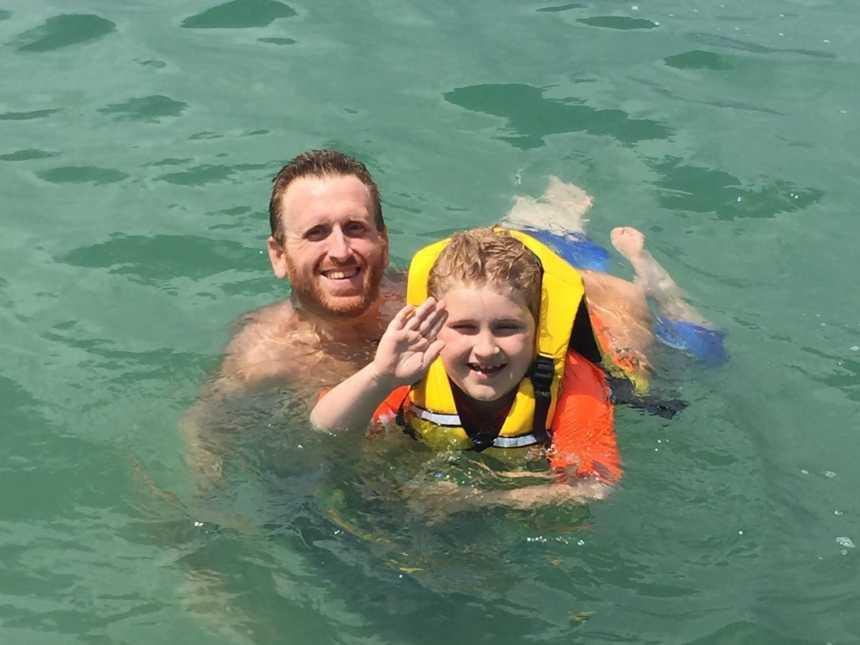 Zach Moore tenho um dia feliz entre pai e filho