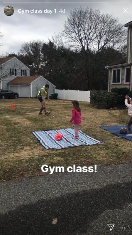 O vídeo das meninas treinando com o pai agradou os internautas