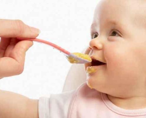 Saiba tudo sobre a alimentação do bebê
