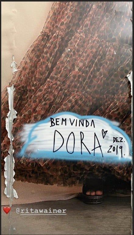 Obra de arte anunciando chegada da filha de Pedro Bial