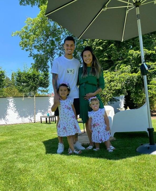 Philippe Coutinho anunciando a gravidez da esposa