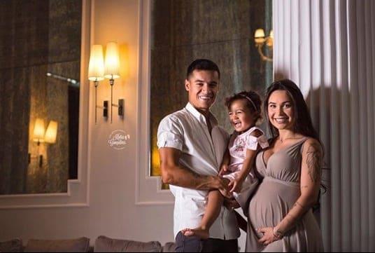 Phillipe Coutinho com sua família nessa publicação