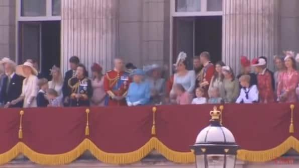 Publicação do momento em que a princesa Charlotte levou um tombo