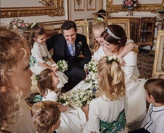 A princesa Charlotte e os outros pajens e daminhas