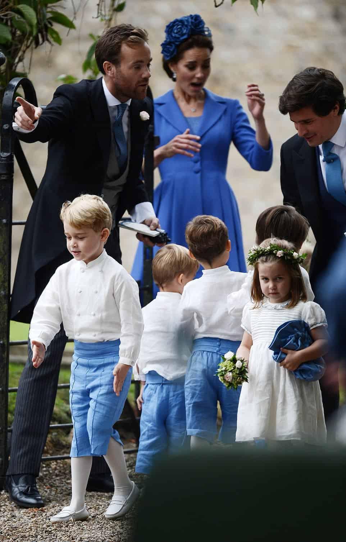 No casamento do príncipe Harry com Meghan Markle, Príncipe George e princesa Charlotte foram pajem