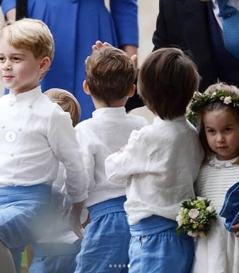 Nessa publicação aparecem várias outras crianças que foram pajem e daminha juntos com George e Charlotte