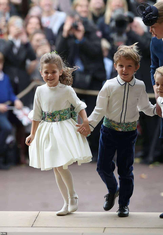 Também participou como daminha a Theodora Williams, filha do cantor Robbie Williams