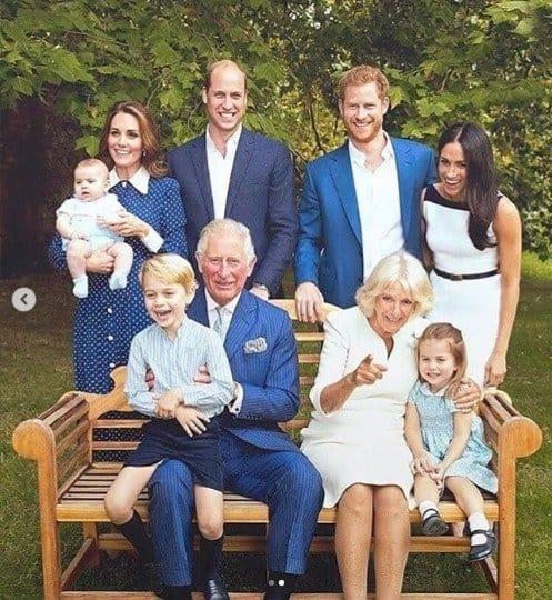 Família Real reunida para uma bela foto