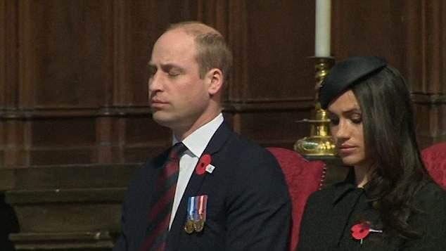 Durante um evento o príncipe William lutou contra o sono