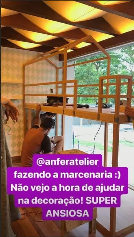 A cama-casinha do quarto novo de Titi