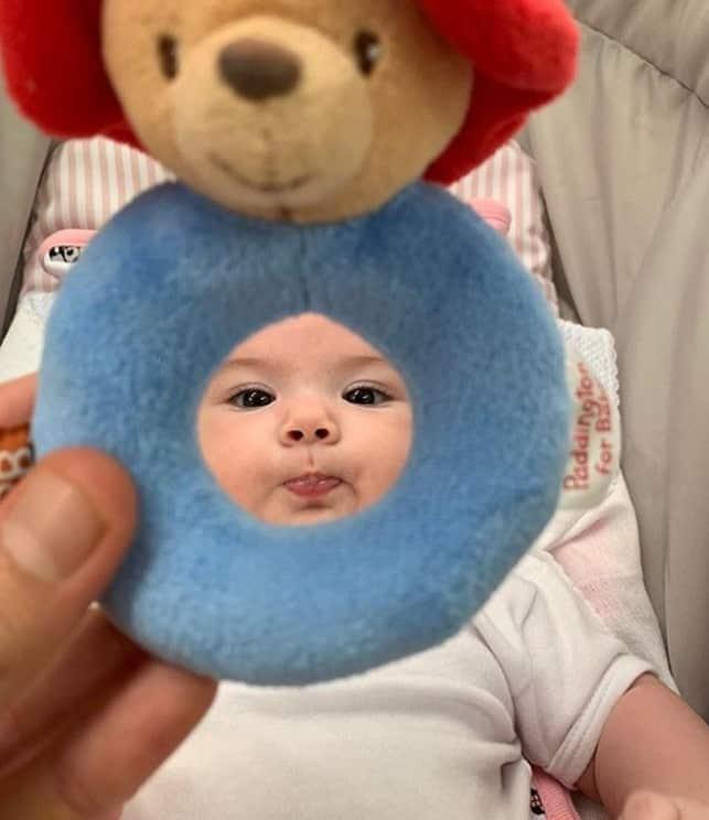Tatá Werneck mostrou esta foto de sua bebê
