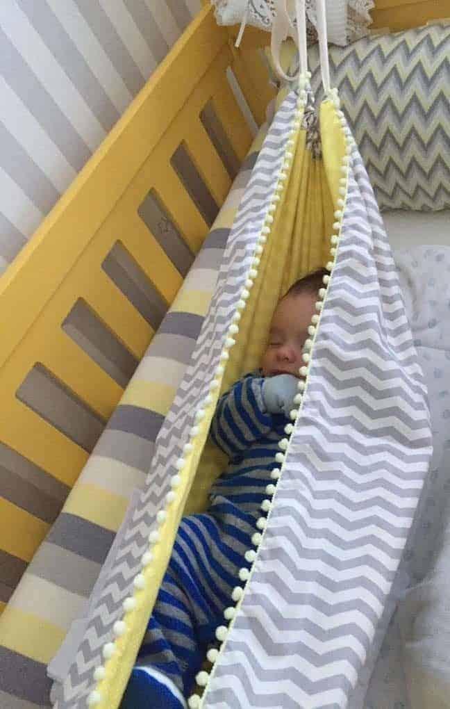 Os modelos das redes podem combinar com a decoração do quarto de bebê