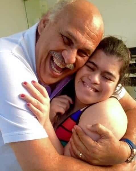 Marina com seu pai o repórter Márcio Canuto
