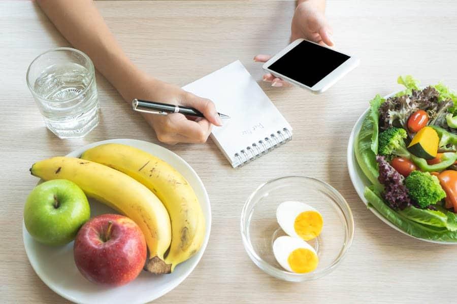 Para evitar o resguardo quebrado e antecipar a recuperação, aposte em uma dieta saudável