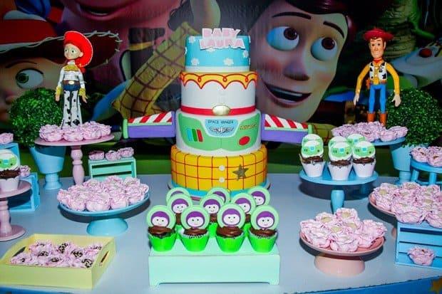 Laura ganha festa do Toy Story