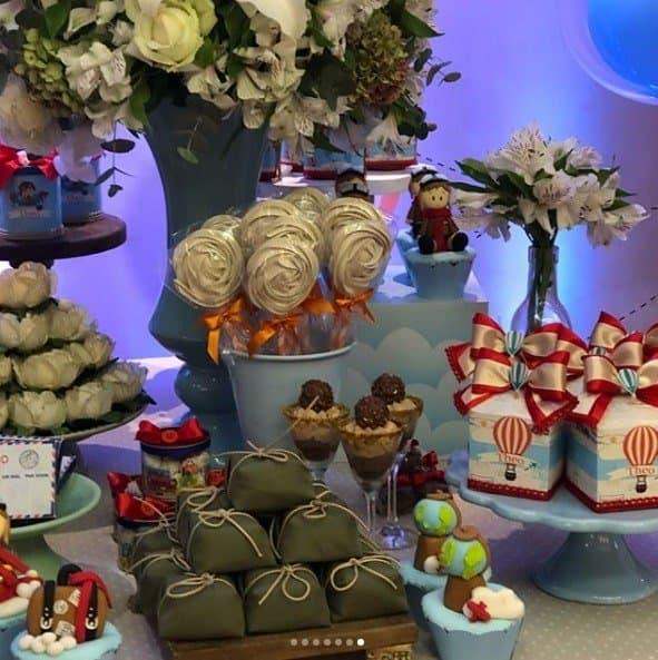 Imagem da mesa decorada da linda festa de 2 anos do filho de Rômulo Estrela