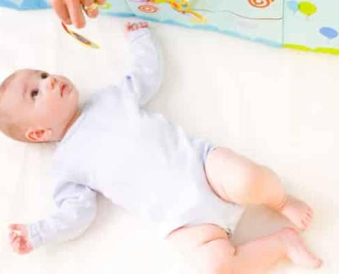Qual a maneira correta de lavar a roupa do bebê
