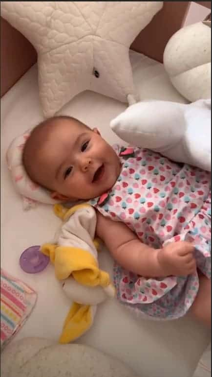 Anitta posta foto de filha de Sabrina Sato