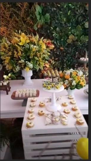 Imagem da bela mesa do Chá de Bebê de Sabrina Sato