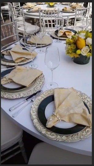 As mesas foram preparadas com muito carinho na festa de chá de bebê de Sabrina Sato
