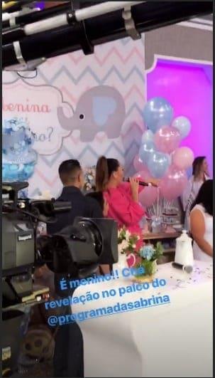 Durante seu programa na TV Record Sabrina Sato fez um chá revelação