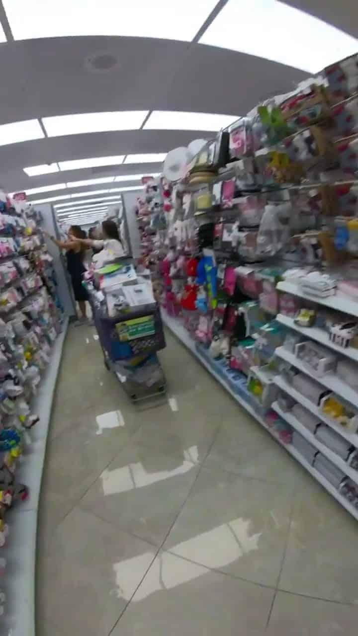 Sabrina Sato compra para o enxoval de seu bebê
