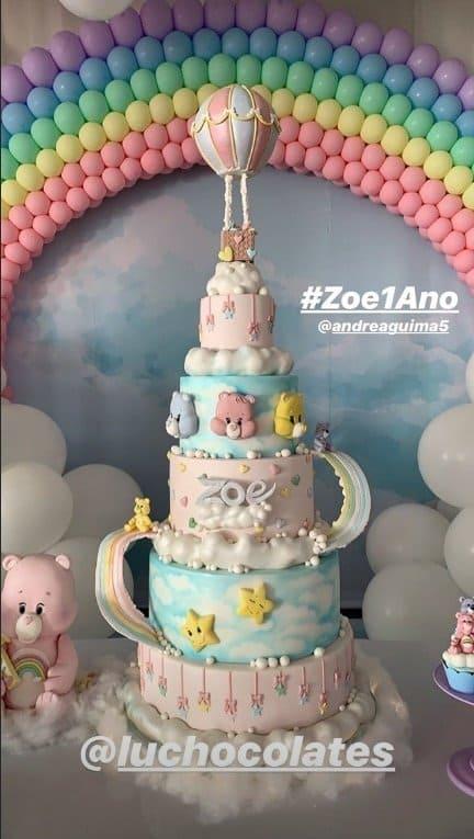 O bolo da festa de um ano da pequena Zoe