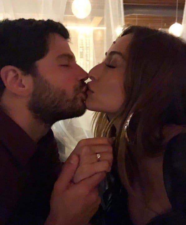 Sabrina Sato compartilhou foto de seu noivado com Duda Nagle